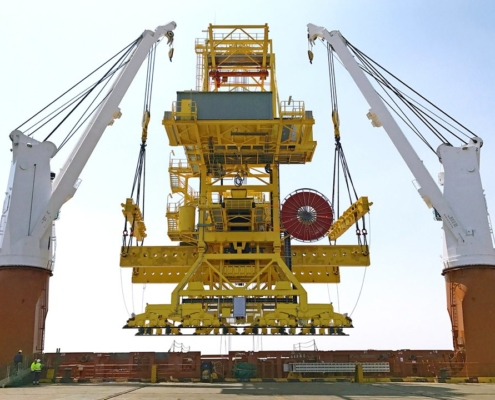 Mining - Ship loader ex China to Guinea - Lifting operation in Qidong