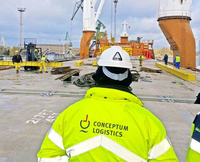 Conceptum Logistics - Lifting Vorbereitung von Schiffsbelader in Polen
