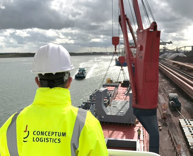 Conceptum Logistics - Mining - Stacker reclaimer and barge un-loader ex Turkey to Netherlands