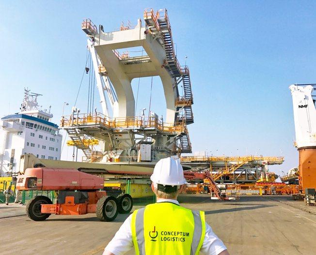 Conceptum Logistics - Mining - Stacker Reclaimer ex China to Australia