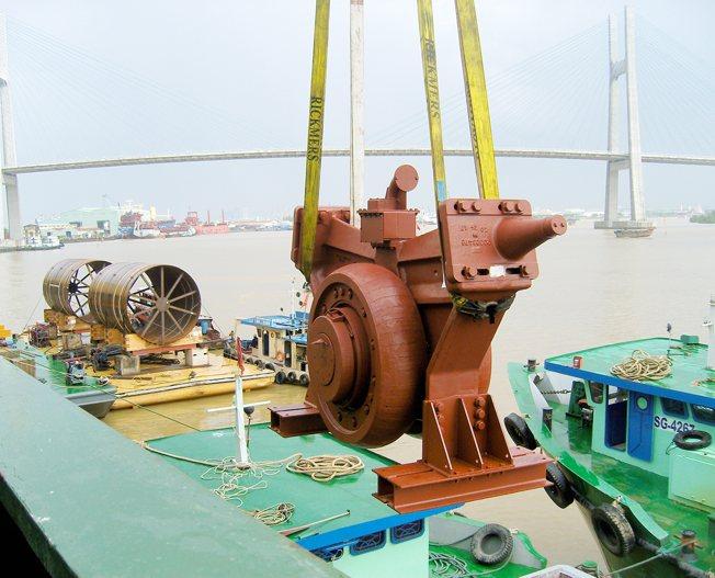 Conceptum Logistics - Cement Plant un-loading in Ho Chi Minh City Vietnam