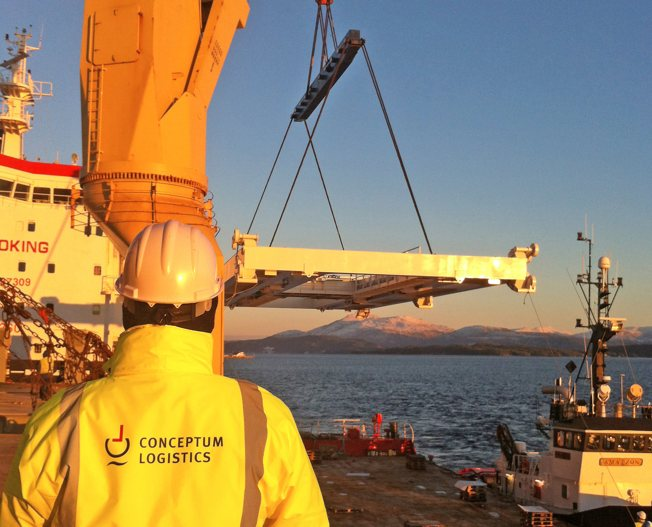 Conceptum Logistics - Loading supervision of steel structures in Vestnes Norway